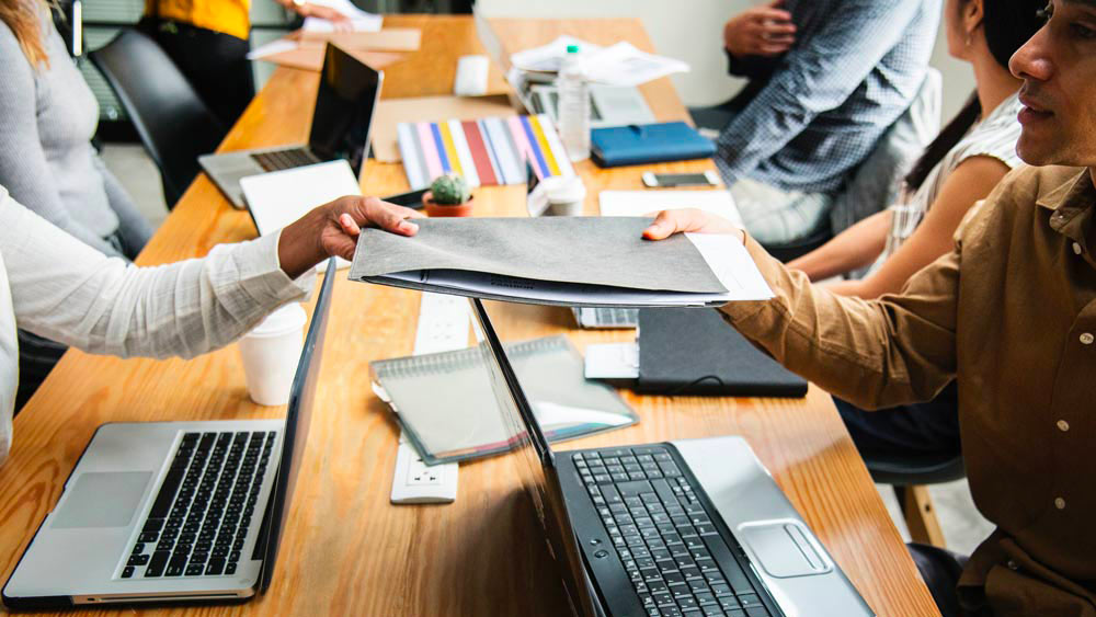 Agence de communication ou freelance, quel prestataire choisir pour la communication de son entreprise