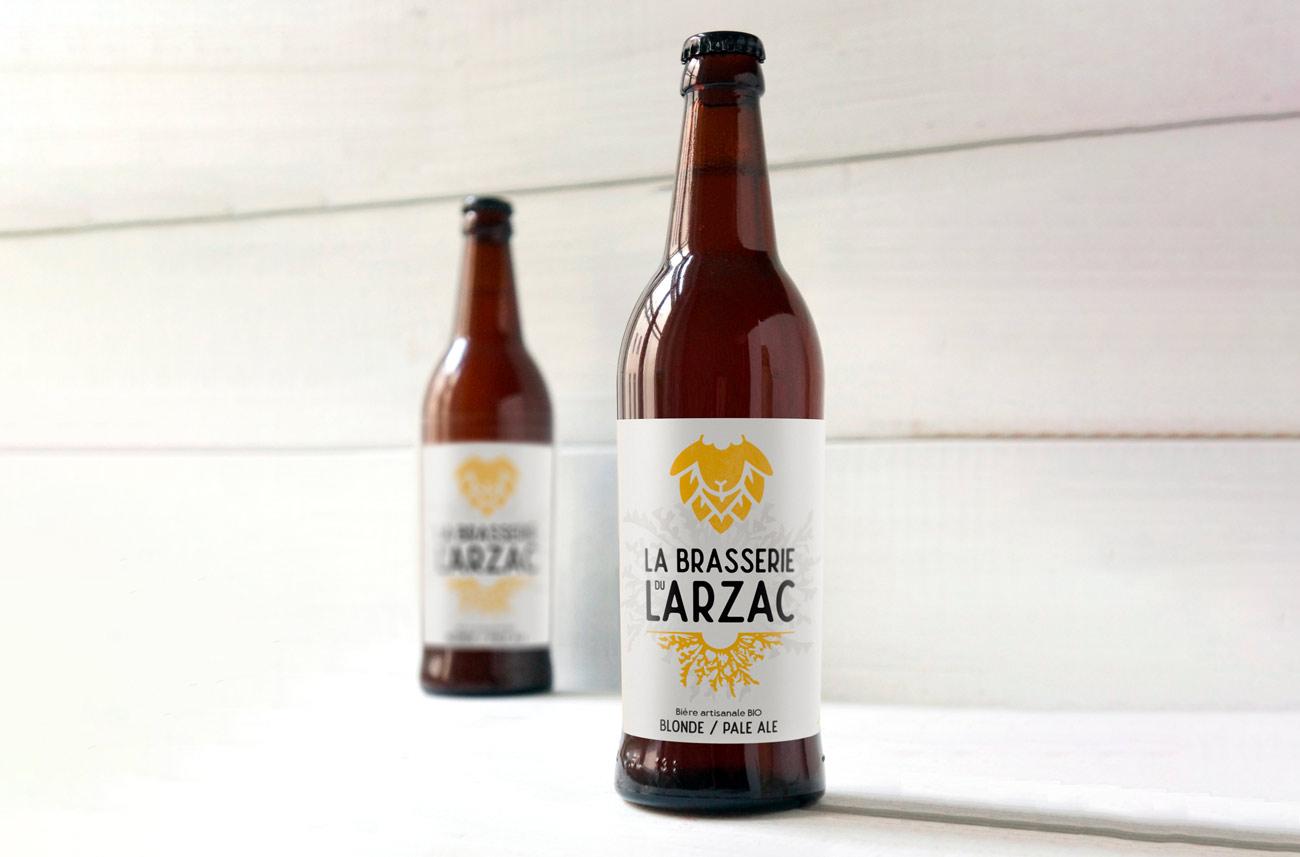 Étiquette design pour une bière artisanale bio