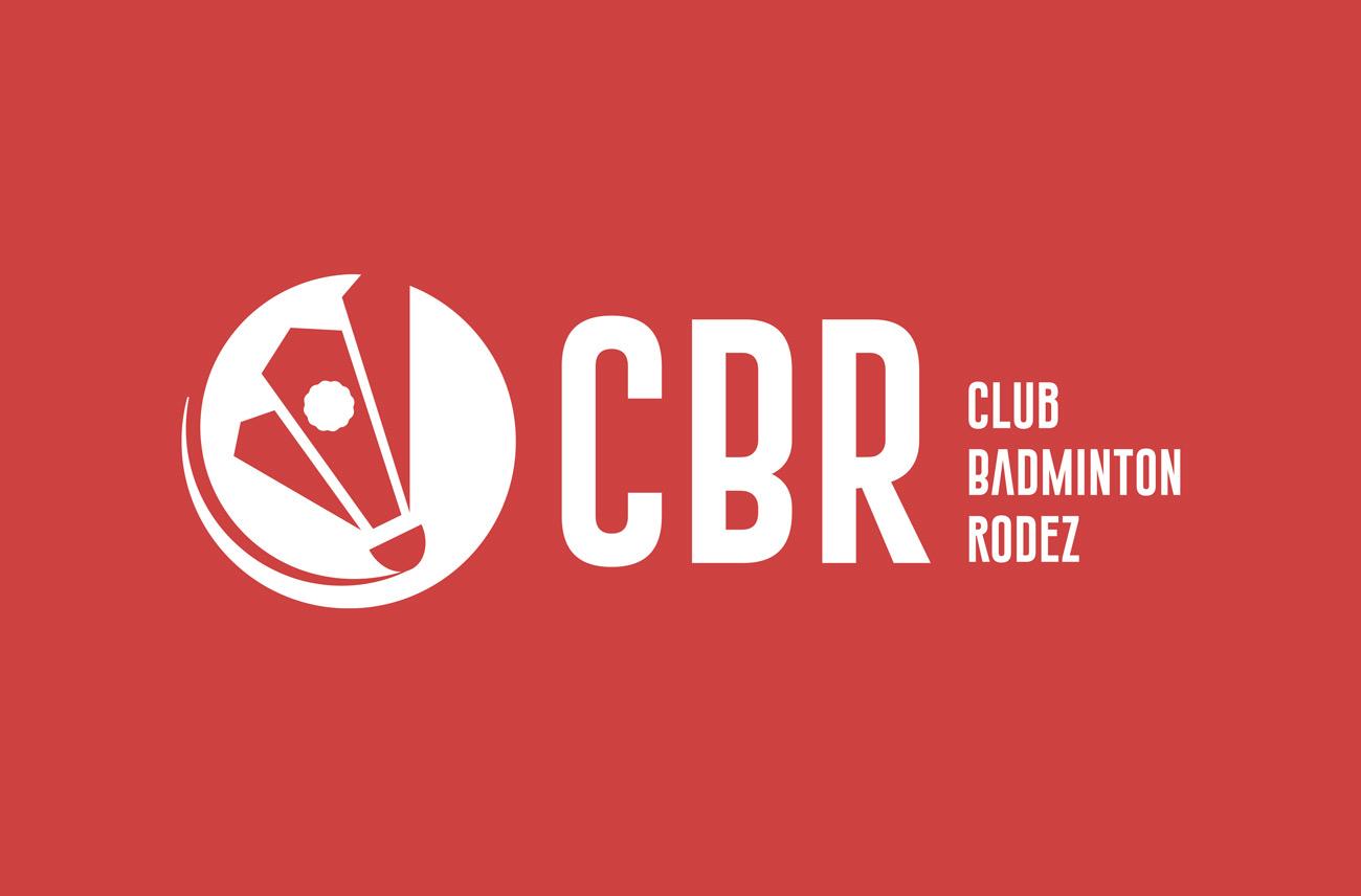 Logo du Club de badminton de rodez, sur fond rouge